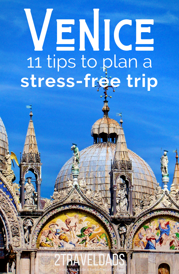 11 Tips to planning a perfect vacation to Venice, Italy. Hotels, photography spots, best things to do in Venice. #Venice #Italy #Europe #vacation