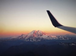 Mt Rainier from Airplane 1