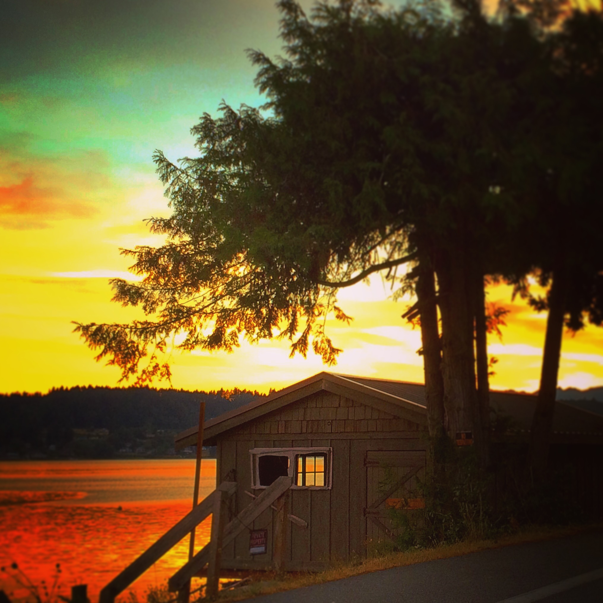 Poulsbo Boathouse at Sunset Liberty Bay 2traveldads.com