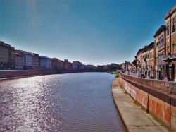 Arno River in Pisa 1