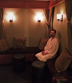 Chris Taylor Waiting in Waterleaf Spa at Skamania Lodge 1