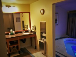 Dressing Room with Hot Tub at Waterleaf Spa at Skamania Lodge 1