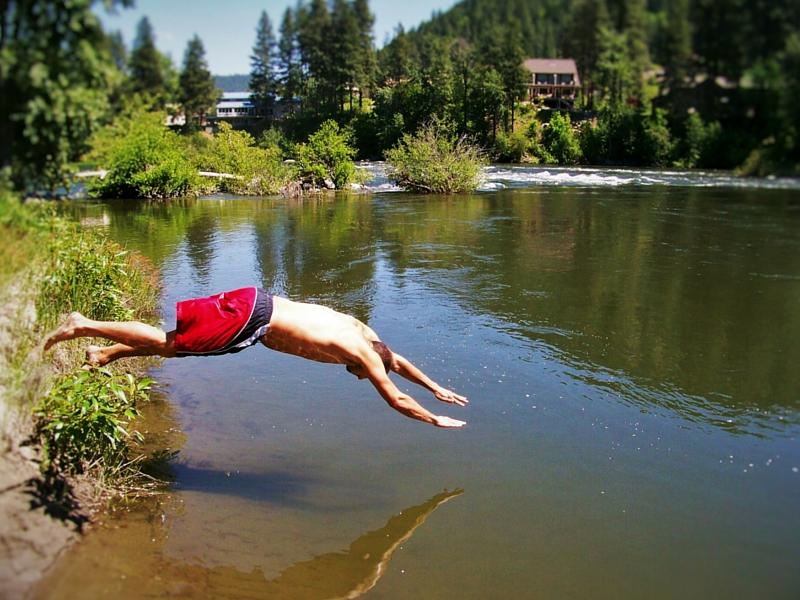 Rob-Taylor-swimming-in-Leavenworth-Washington.jpg