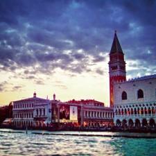 Doges-Palace-Sunset-Venice-225x225.jpg