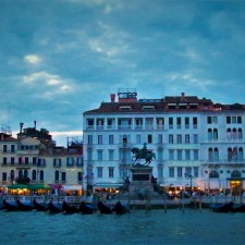 Gondola-Parking-Venice-Sunset-225x225.jpg