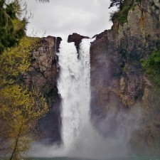 View from Base of Snoqualmie Falls 2traveldads.com