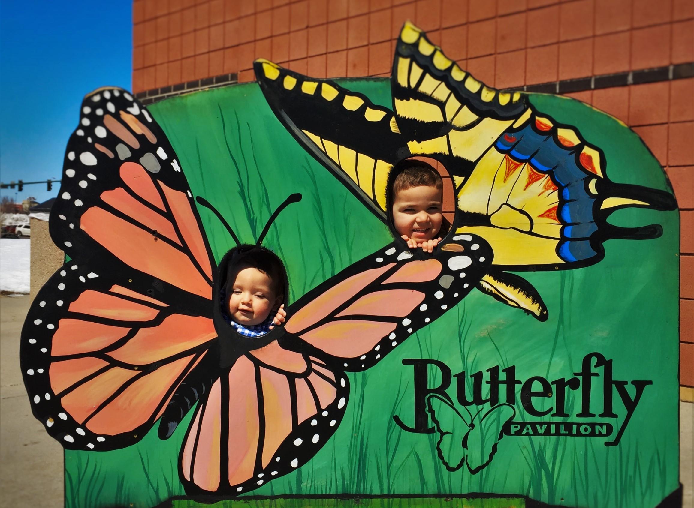 Taylor-Kids-as-Butterflies-at-the-Butterfly-Pavilion-Denver-Colorado-1-e1460465845222.jpg