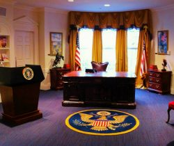 Oval Office in Magic House Childrens Museum St Louis 2traveldads.com
