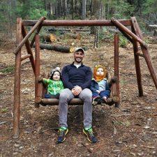 Rob-Taylor-and-Kids-on-swing-at-Evergreen-Lodge-at-Yosemite-2traveldads.com_-225x225.jpg