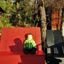 TinyMan-relaxing-at-Sunset-Point-at-Evergreen-Lodge-at-Yosemite-National-Park-2traveldads.com_-225x225.jpg