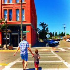 Chris Taylor and LittleMan in Downtown Anacortes 1