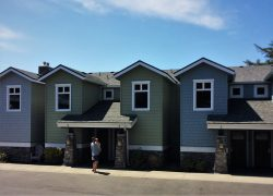 Condo units at Pacific Reef Hotel Gold Beach Oregon Coast