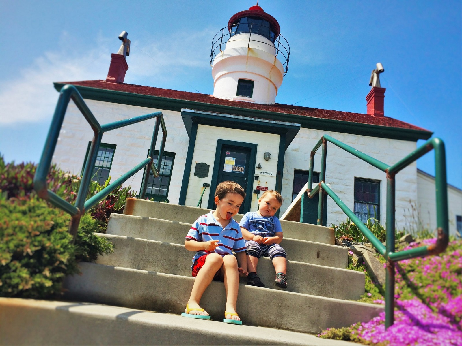 Battery Point Lighthouse: worth getting your feet wet