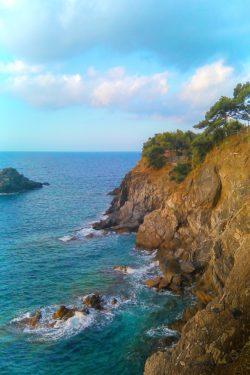 Cliffs on the Mediterranean Cinque Terre Italy 1e