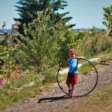 LittleMan and Hula Hoop at AniChe Cellars Underwood Columbia River Gorge 2