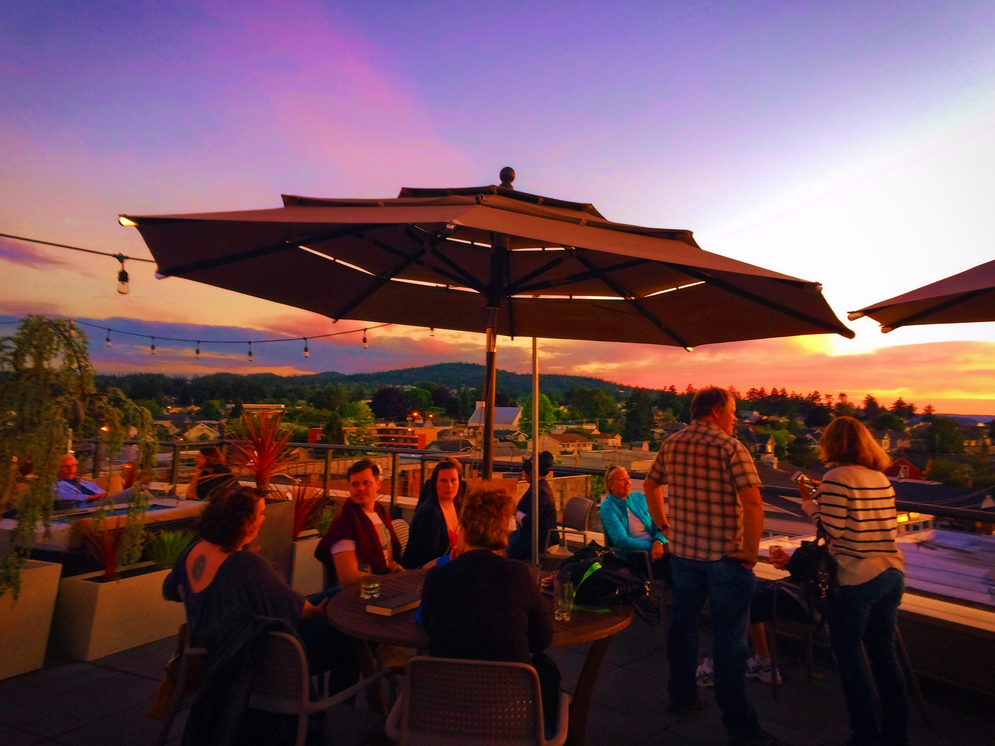Rooftop Bar of Majestic Inn Anacortes 1e
