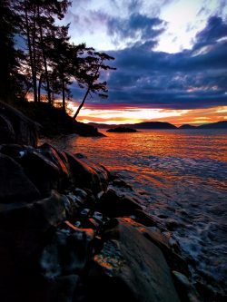 Sunset with rocks at Washington Park Anacortes 1