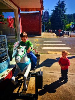 Taylor Kids on toy pony in Roslyn Washington 1
