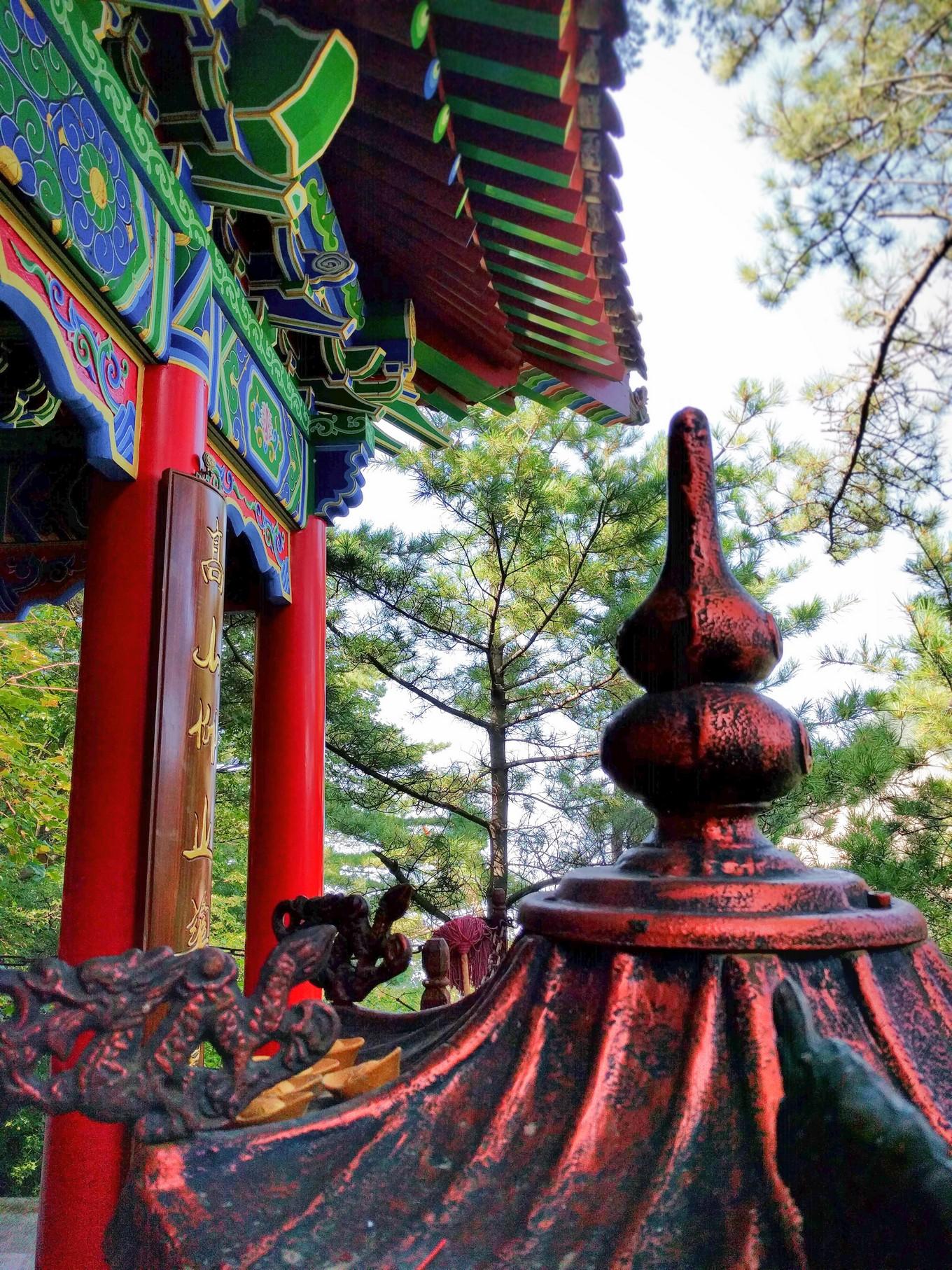 buddhist-temple-at-huashan-3