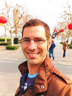 chris-taylor-with-chinese-lanterns-in-shanghai-1