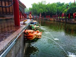 Dragon fountains at Tang Paradise Xian Imperial Garden 2