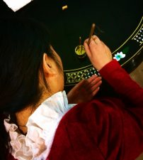 Hand-painting-lacquered-furniture-artisan-factory-Xian-1-202x225.jpg