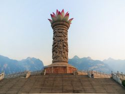 lotus-tower-at-huashan-national-park-1