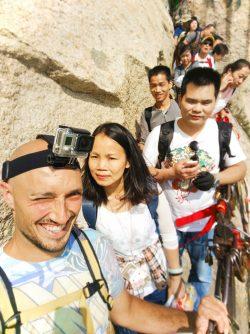 rob-taylor-hiking-at-death-plank-hike-huashan-national-park-1