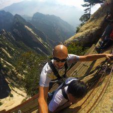 rob-taylor-hiking-at-death-plank-hike-huashan-national-park-a