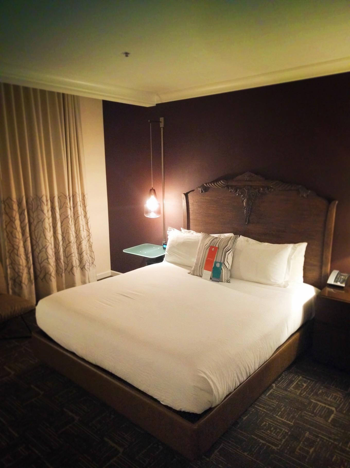 Hotel Vintage Portland King room 1