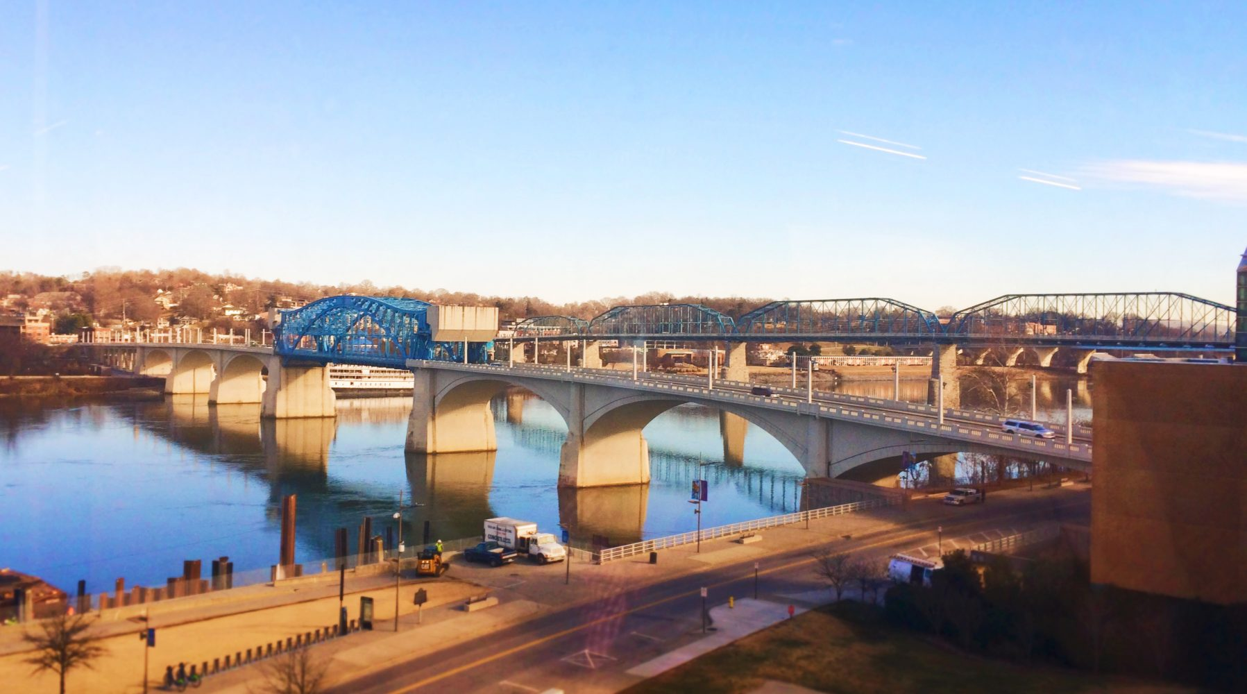 Tennessee River from Aquarium 1