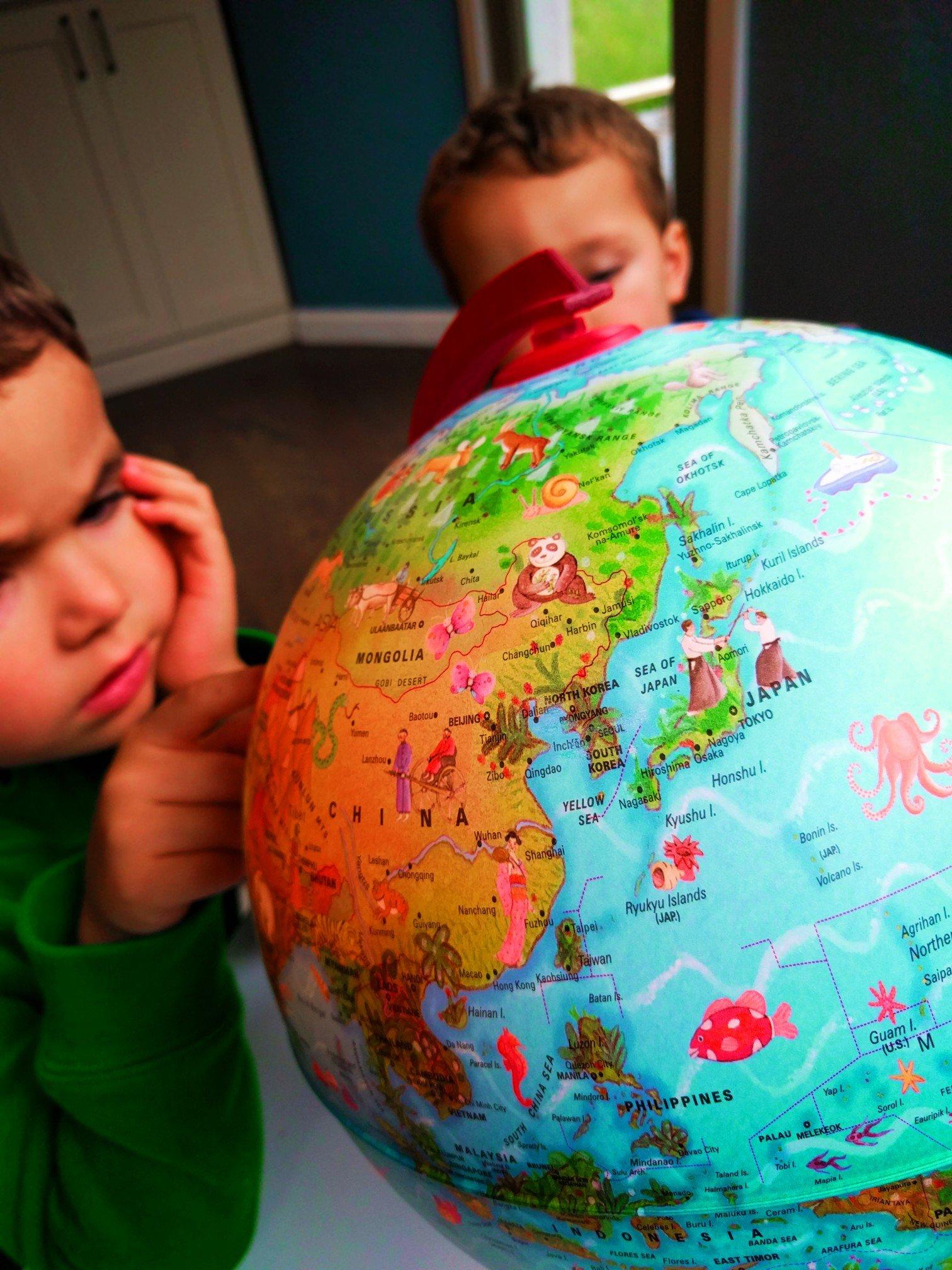 2TD-Kids-with-globe-1.jpg