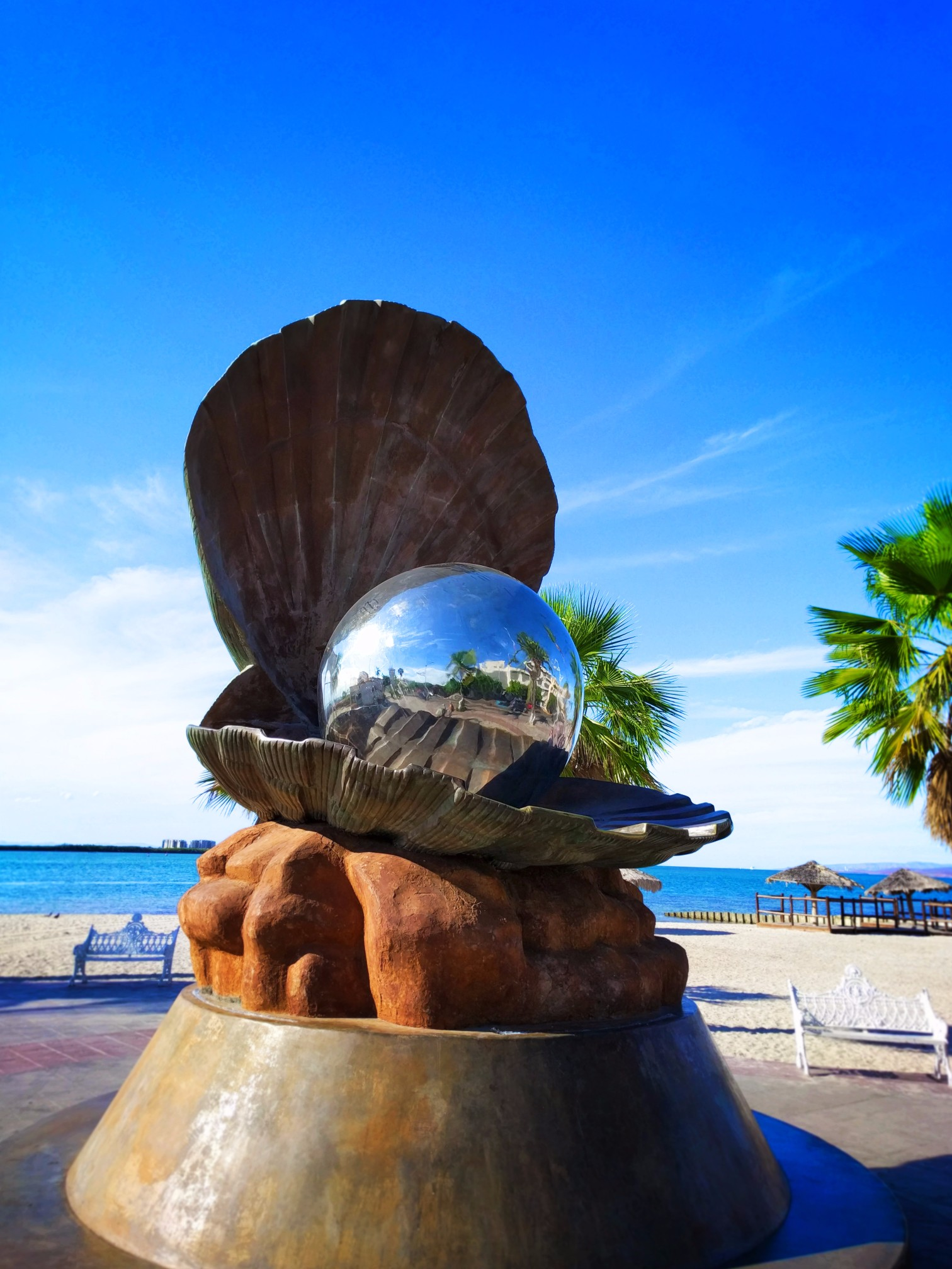 Shiny Pearl Statue La Paz Mexico 2 Travel Dads