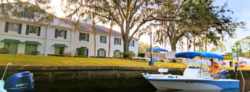 The Plantation on Crystal River is an ideal hotel for experiencing Florida's manatees, Rainbow Springs, the Crystal River National Wildlife Refuge and much more. 2traveldads.com