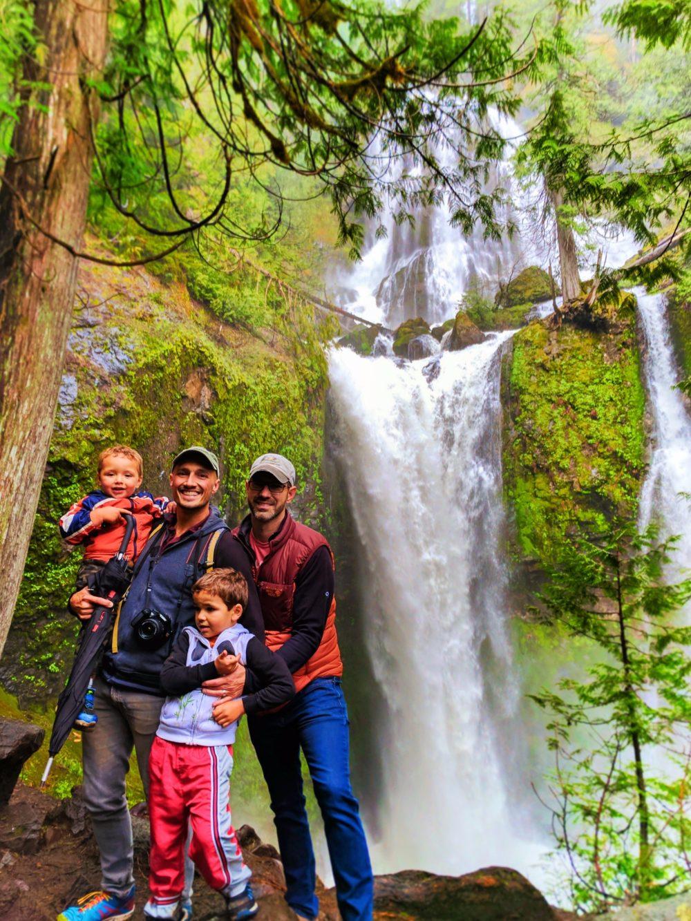 Taylor Family at Falls Creek Falls Carson Washington 3