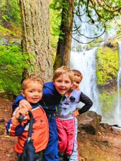 Taylor Family at Falls Creek Falls Carson Washington 8