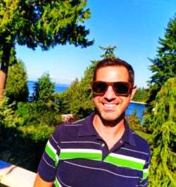 Chris Taylor wearing Simply Amevie Bamboo Sunglasses 1