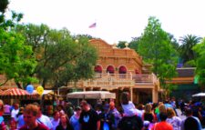 Golden Horseshoe Frontierland Disneyland 1