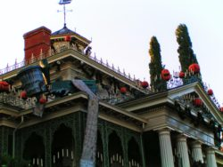 Haunted Mansion Holiday New Orleans Square Disneyland 1