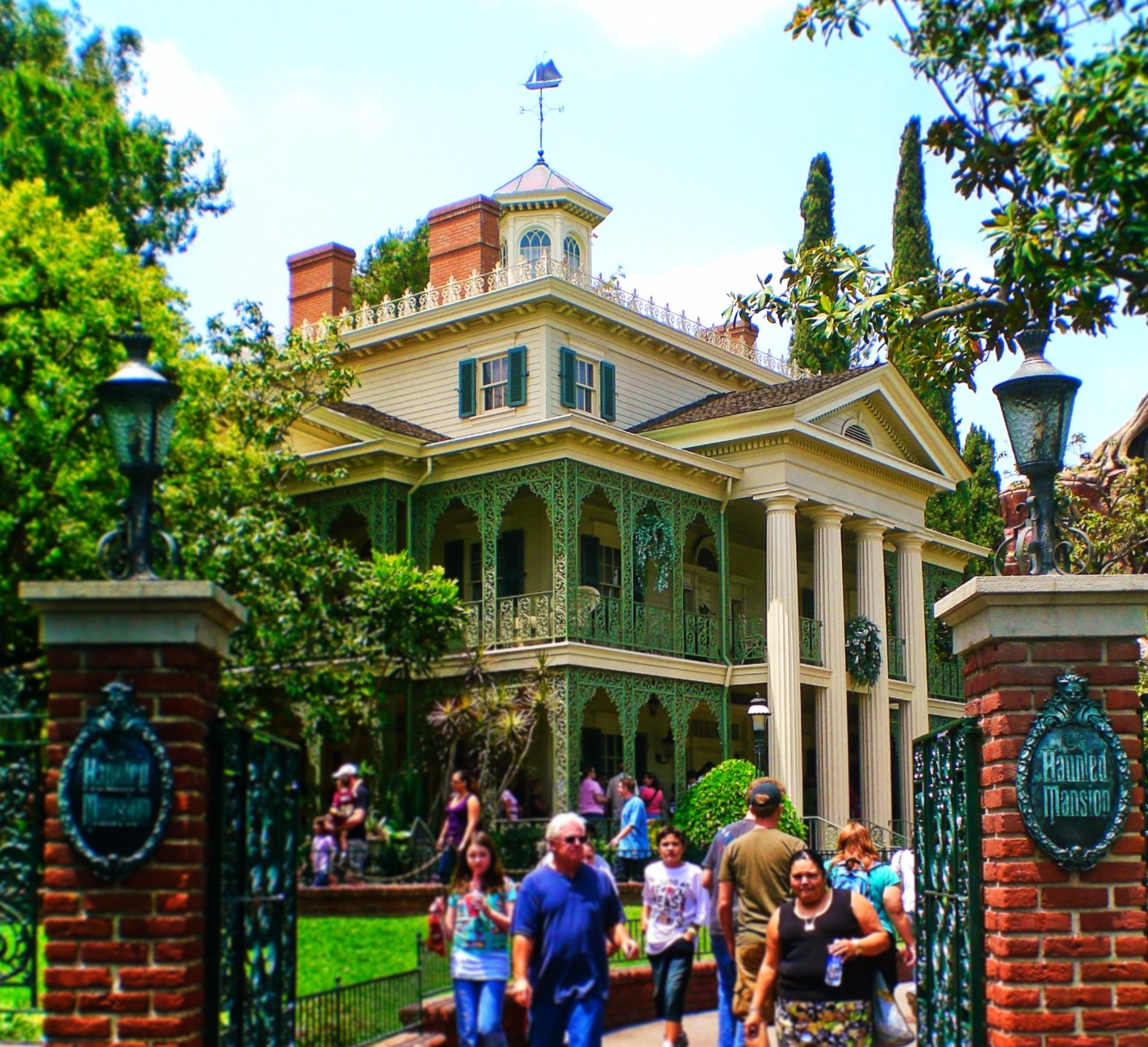 Haunted Mansion New Orleans Square Disneyland 1 on Mansions In Mountain View California