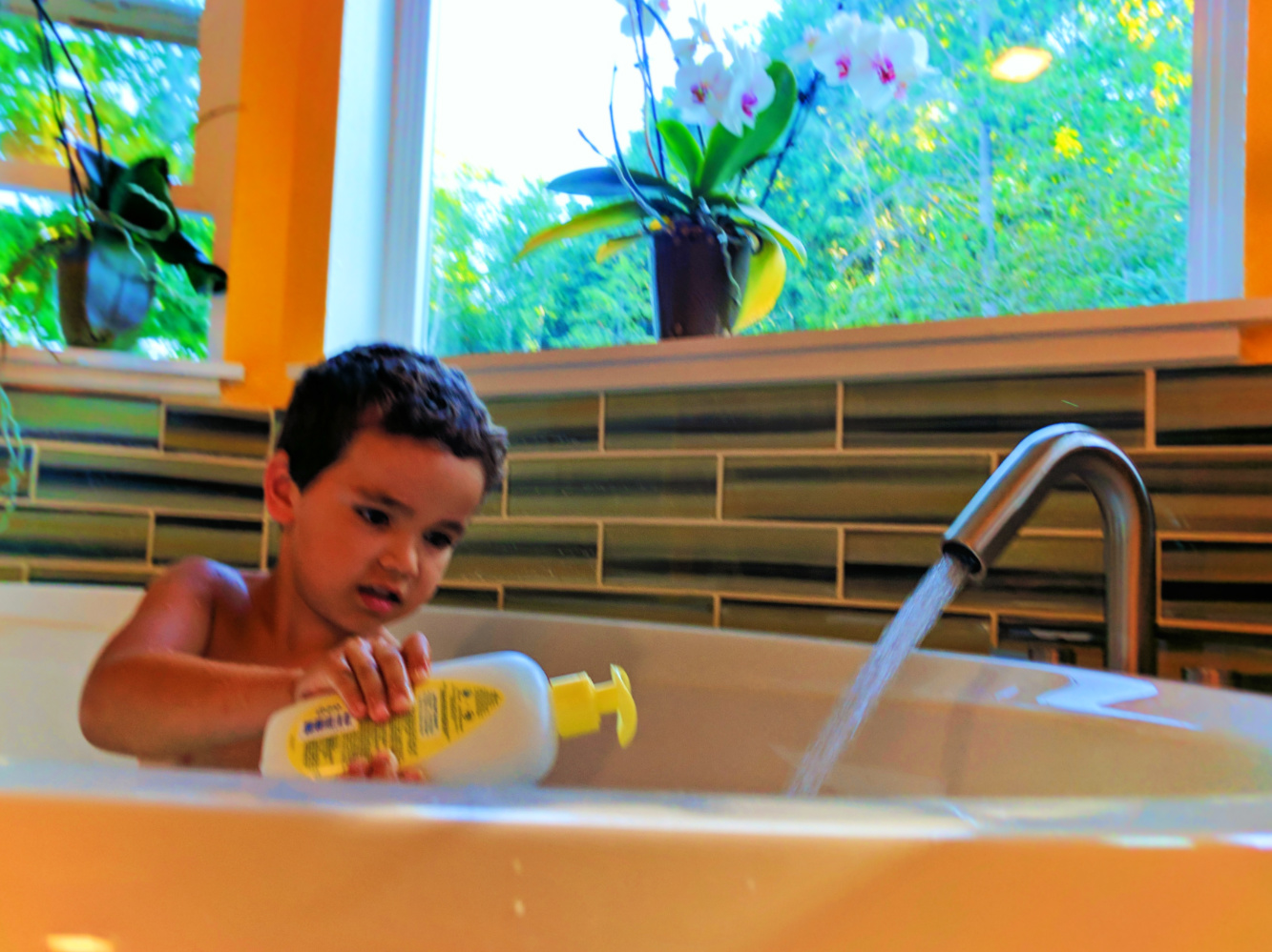 Funky Travel Bathtub For Baby Ensign - Bathtubs For Small Bathrooms ...