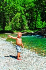 Taylor-Family-at-Ohanapecosh-River-in-Grove-of-the-Patriarchs-Mt-Rainier-National-Park-5-150x225.jpg