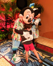 Taylor Family with Mickey Mouse and Minnie Mouse at Disney Aulani 5