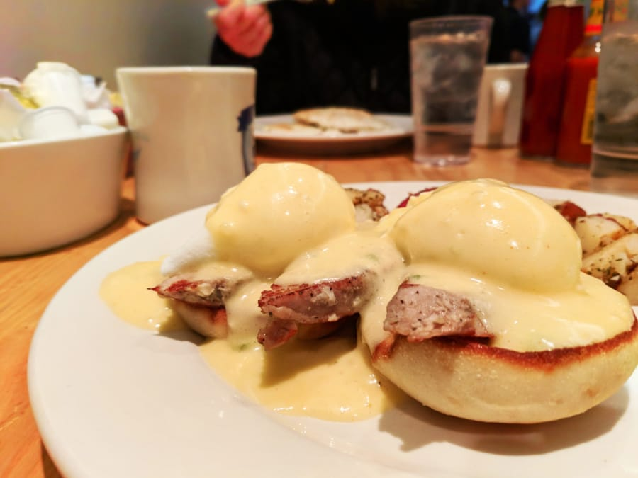 Chili Benedict with Pork Medalions Bongo Room Uptown Chicago 1