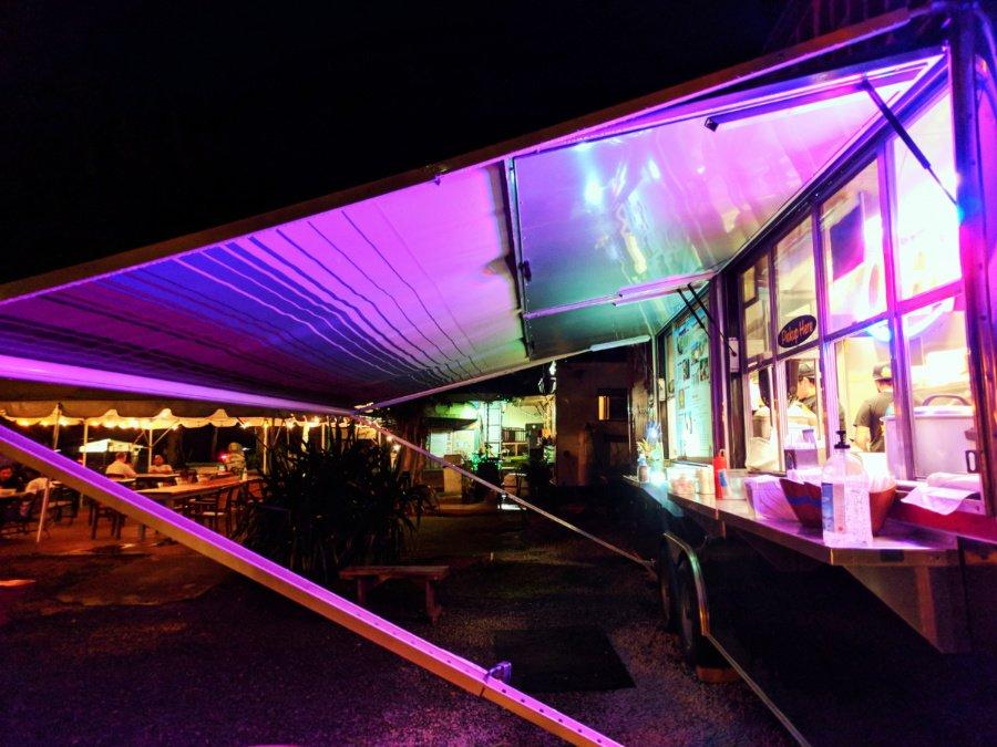 Best Oahu Eats: How To Find Amazing Poke and Food Trucks