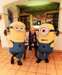 Rob Taylor with Minion Universal Blog Squad photo shoot 2