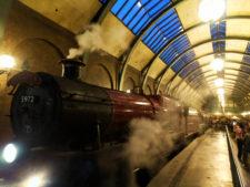 Hogwarts-Express-in-Kings-Cross-Station-Wizarding-World-of-Harry-Poter-Universal-Studios-Florida-1-225x169.jpg