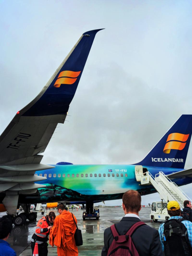 Iceland-Air-jet-in-Rekjyavik-Airpoirt-Keflavik-1.jpg
