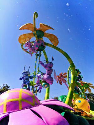 Bugs-Life-float-in-Pixar-Play-Parade-Disneyland-Anaheim-California-1-300x400.jpg