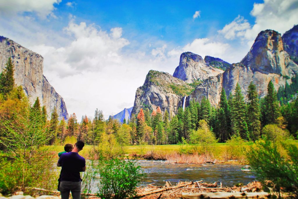 Chris Taylor and TinyMan in Yosemite Valley in Yosemite National Park 2 POL